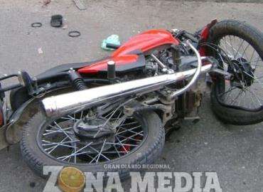 Motociclista chocó una camioneta