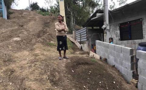 Obra del drenaje debilita vivienda