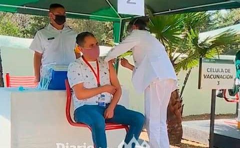 Vacunan a médicos de los hospitales privados