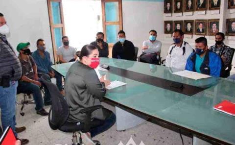 Alcaldesa atiende a las autoridades