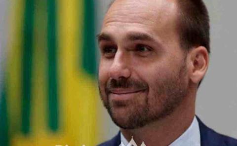 Eduardo Bolsonaro indemnizar a periodista