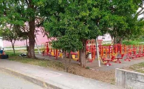 Una vez más cierran  las zonas públicas