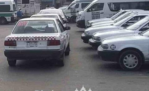 Taxistas omiten reglamento vial