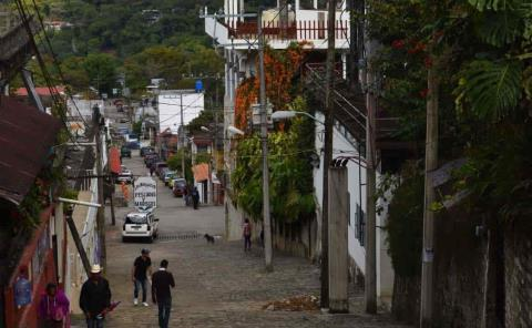 """""""Cuesta de enero"""" afecta a xilitlenses"""