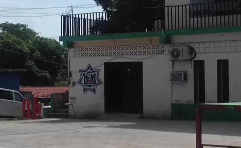 Conocido docente de Tanquián fue detenido