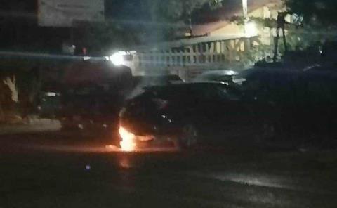 Ardió otro vehículo