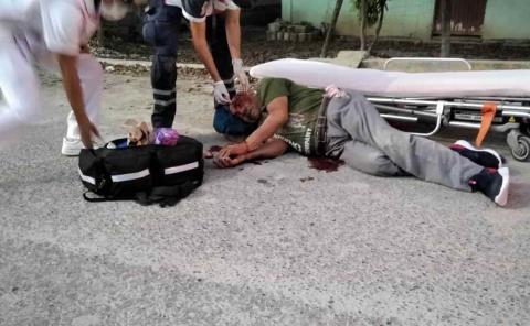 Anciano herido al caer de bicicleta