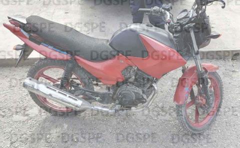 Portaban droga en moto robada