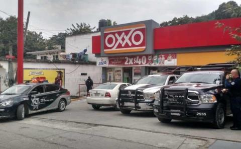 ¡ASALTARON OXXO!