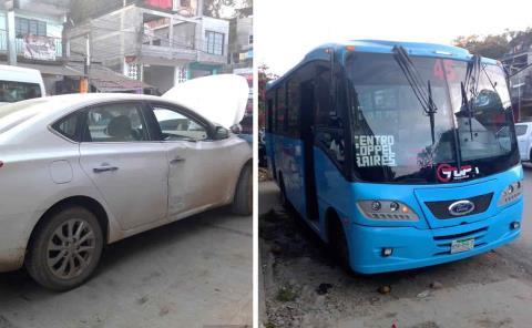 Deja percance entre coche y TUPA daños materiales