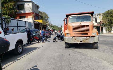Camión arrolló  a motociclista