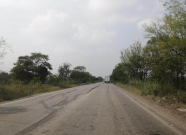 Carretera se cae a pedazos
