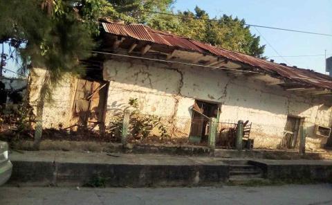 Casas a punto de caer en el Centro