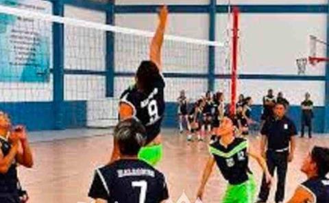 Participó en olimpiada nacional de voleibol.