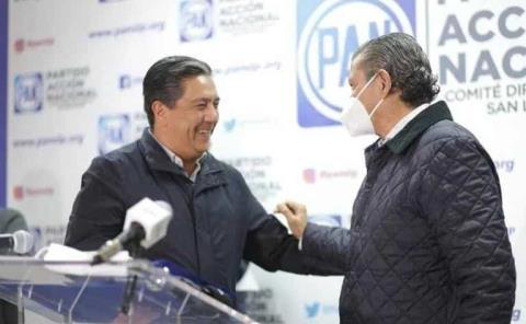 Pedroza le tiende la mano a Gama
