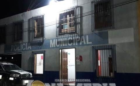 10 detenidos en redada policial