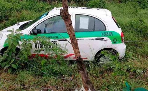 Taxi sufrió aparatosa salida de carretera