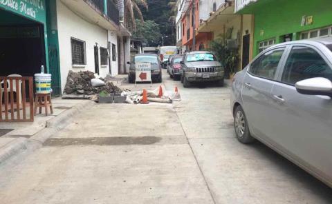 Protestan vecinos por cierre de calle
