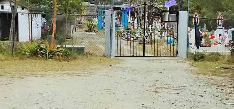 """Sepelios clandestinos hacen en """"San Felipe"""""""