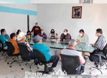 Tianguis continuará en la Unidad Deportiva