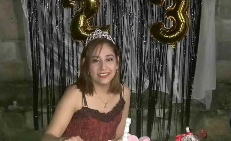 Celebró con sus amigos Anahí Pérez Rodríguez