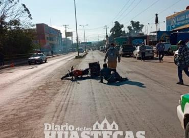 Camioneta derribó a un motociclista