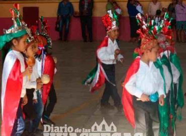 Deben evitar la extinción de las danzas autóctonas