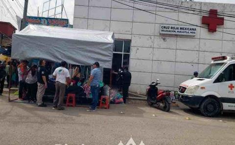 Cruz Roja instaló  un bazar de ropa