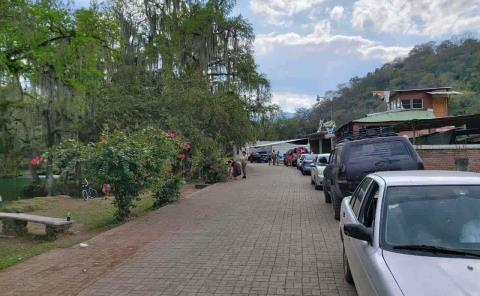Municipio evacuó bañistas de paraje