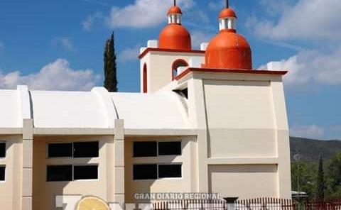Iglesia en riesgo de desplomarse
