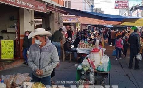 Crece comercio informal en ZM
