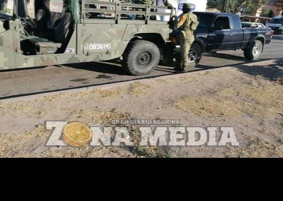 Militares ocasionan choque frente al DIF