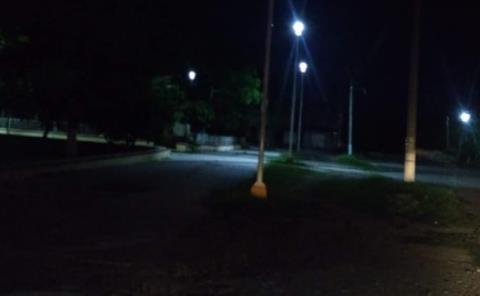 """Sin luz plaza """"21 de Junio"""""""