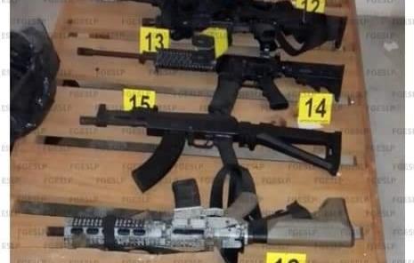 Aseguran armas droga y  equipo táctico en Matlapa