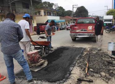 Bacheo realizó Obras Públicas