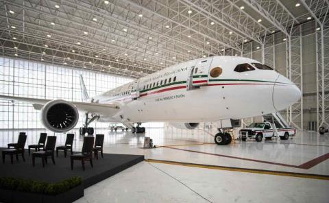 AMLO anuncia una nueva subasta de 19 aeronaves