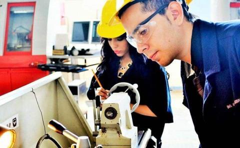 """Apoyo a jóvenes """"emprendedores"""""""