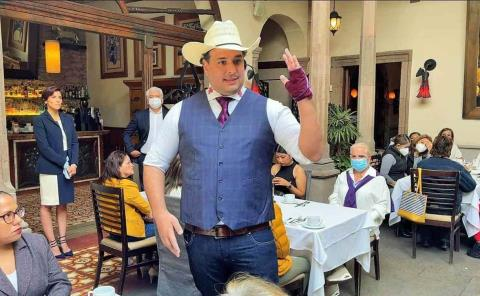 Adrián Esper inicia campaña en Valles