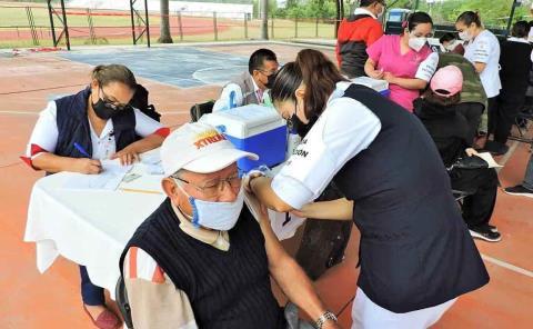 120 personas del SS en la vacunación