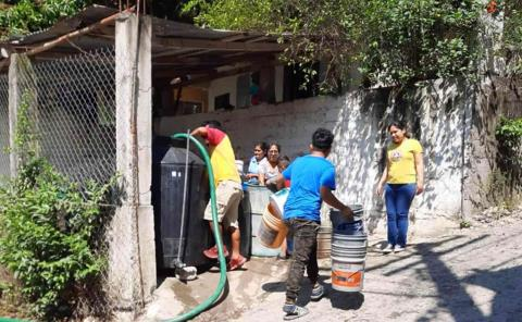 Molesta usuarios falta de agua en San Rafael