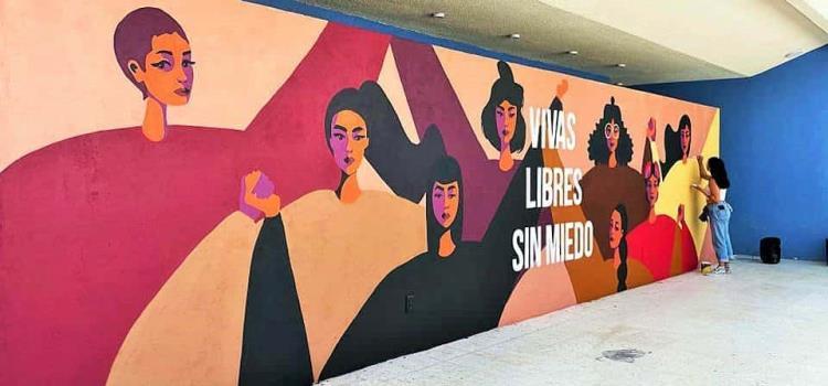 Destacan creación de mural feminista