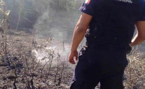 Controlaron incendio policías y voluntarios