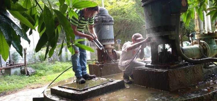 Restablecieron abasto de agua a zona Tének