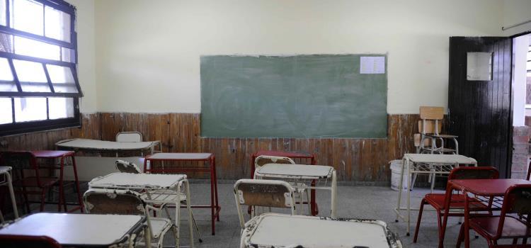 Consideran reajustar regreso a las aulas