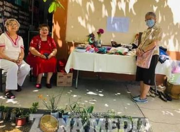 Cáritas parroquial realizó un bazar