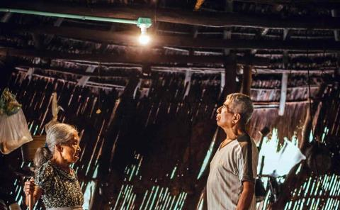 Iberdrola lleva la luz a más de 150 familias de la Huasteca