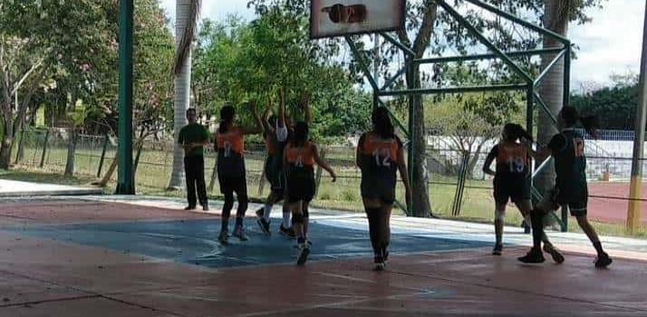 Suns y Panthers Ébano campeones del basquetbol