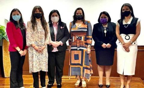 Líderes femeniles en sesión de ASE
