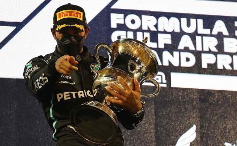 Hamilton gana el GP de Baréin