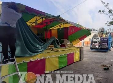 Más comerciantes instalados en plaza